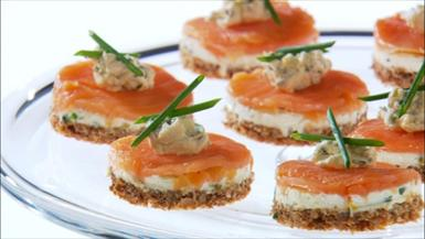 open-face-smoked-salmon_CU